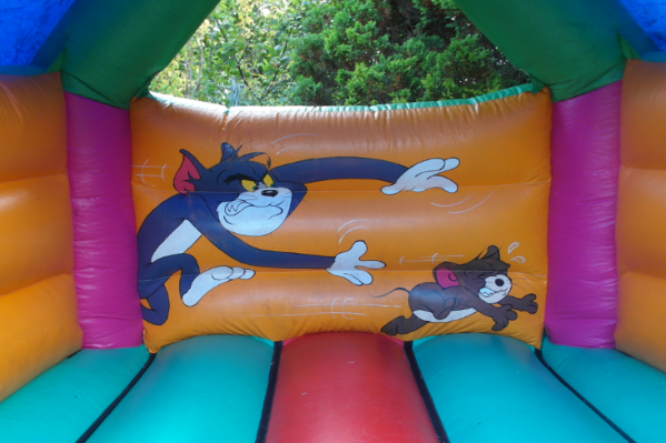 Tom and jerry bouncy castle large 5