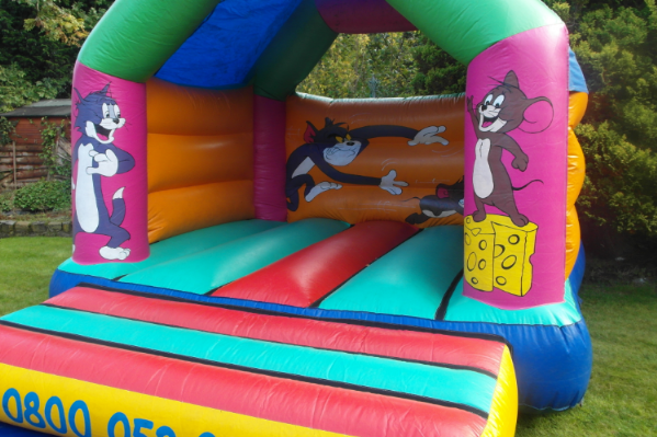 Tom and jerry bouncy castle large 8