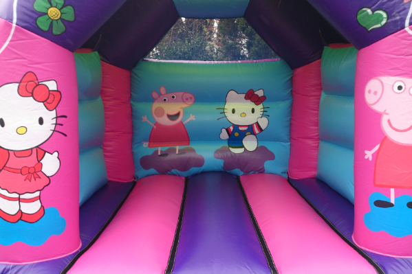 Hello kitty Bouncy Castle large 1