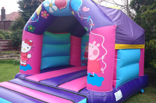 Hello kitty Bouncy Castle large 2