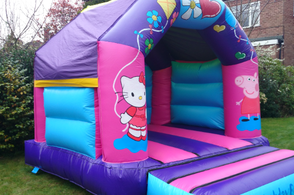 Hello kitty Bouncy Castle large 9