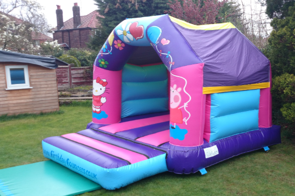 Hello kitty Bouncy Castle large 7