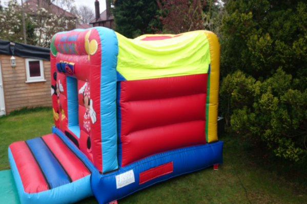 Mickeys den Bouncy Castle large 7