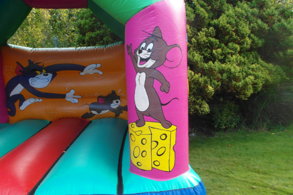 Tom and jerry bouncy castle large 7