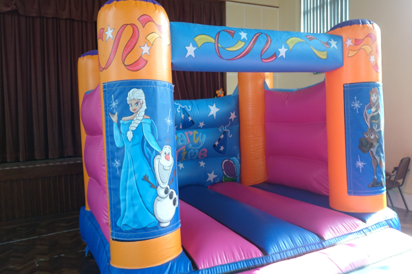 Frozen Bouncy Castle large 2